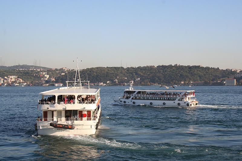 Cruise the Bosphorus